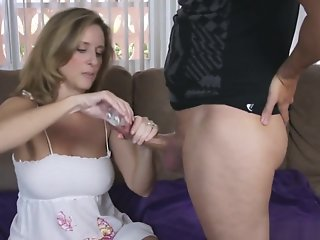 Foot Job , Mom