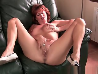 Mature , Mom , Redhead , Top Rated