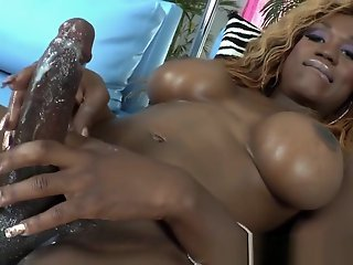 Amateur , Cumshot , Shemale , Top Rated