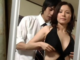 Japanese , Mature , Mom , Top Rated
