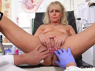 Blonde , Grannies , Hospital , Mature