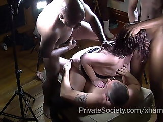 Gang bang , Mature , Private , Swinger